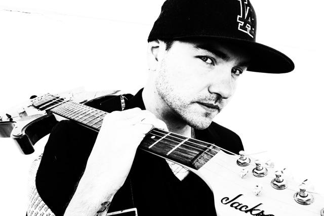 Jonezen with Guitar